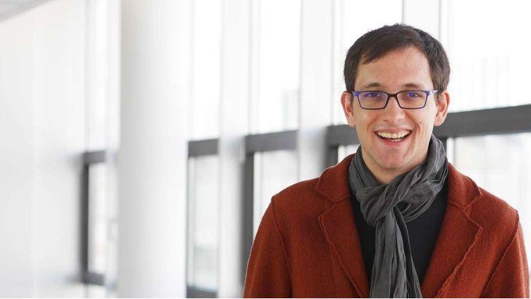 """Jakob Tewes, Head of the Technical Infrastructure Department bei MaibornWolff: """"Im Vergleich zu Konkurrenzprodukten ist Parallels Desktop benutzerfreundlich, besser in macOS integriert und einfacher zu konfigurieren."""""""