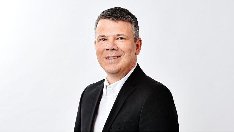 """""""Unsere Lösung steht als On-Premise-Variante, im Rahmen von SwyxON aus der Swyx-eigenen Cloud oder als Partner-Cloud zur Verfügung. Vertriebspartner können das Modell wählen, das am besten zu ihrer Geschäftsentwicklung passt"""", sagt Harald Bender, VP Product & Corporate Marketing bei Swyx Solutions."""