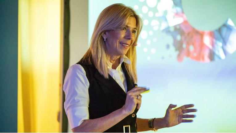 """Renée Bergeron, Senior Vice President Global Cloud Channel: """"60 Prozent unserer Cloud-Reseller befinden sich noch in der Aufbauphase."""""""