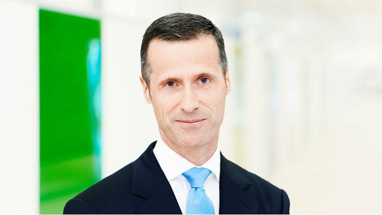 """Thomas Olemotz: Vorstandsvorsitzender der Bechtle AG: """"10.000 Menschen mit Leidenschaft für zukunftsstarke IT-Lösungen und dem Willen, unsere Erfolgsgeschichte gemeinsam fortzuschreiben."""""""