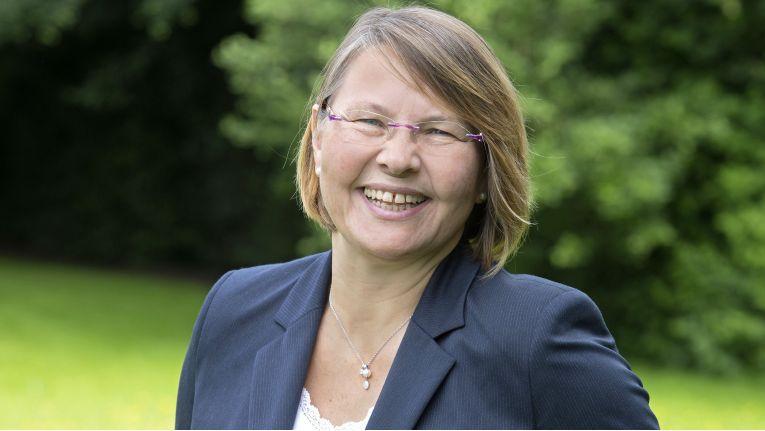 """Rosemarie Bücke, Geschäftsführerin bei der Bücker Security GmbH, einem Unternehmen der Bechtle-Gruppe: """"Die Entscheidung zum Zusammenschluss mit Bechtle ist für uns eine unternehmerische Chance, an unserem Standort in Hille weiter zu wachsen."""""""