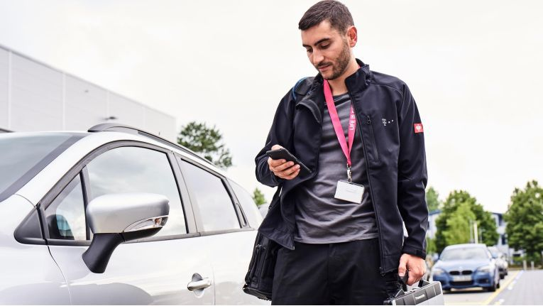 Mit Hilfe spezieller Apps soll der technische Außendienst der Telekom schneller und effizienter arbeiten können.