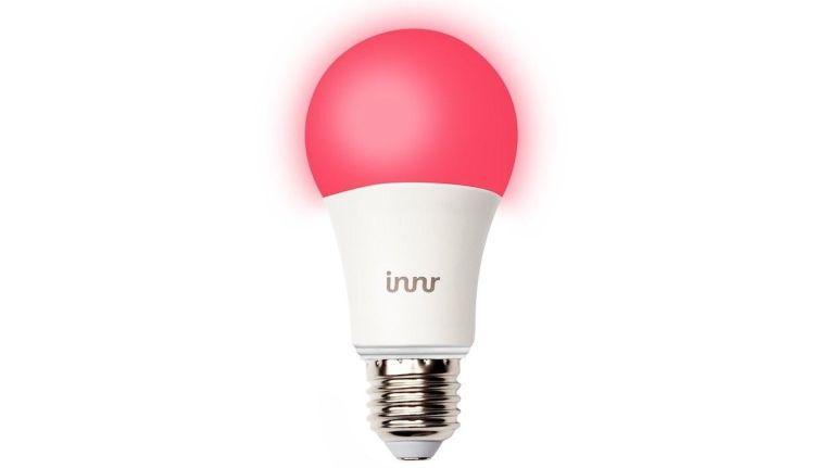 Die Bulb RB 185 C von Innr Lighting kostet 34,95 Euro. Zum Vergleich: Eine Philips Hue White & Color Ambiance E27 von Philips Hue kostet 47,70.
