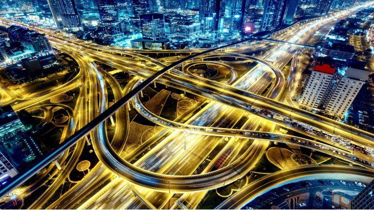 Smart City-Vision 3: Die Vernetzung von Ortsdaten mobiler Geräte und digitalen Verkehrszeichen kann Staus minimieren