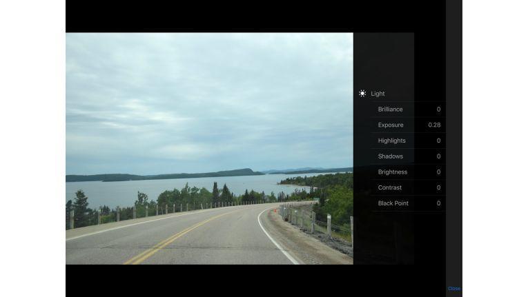 Mit iOS 11 bringt Apple Verbesserungen beim Editieren von Fotos. Unter anderem lassen sich Lichteinstellungen wie Belichtung und Schwarzpunkt granular nachjustieren.