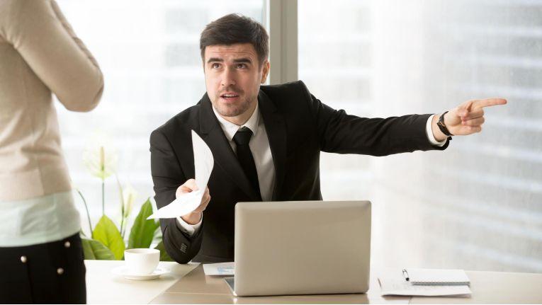 Viele Vorgesetzte scheuen sich, Kritik an Mitarbeitern zu üben, weil das einem partnerschaftlichen Führungsstil widersprechen würde. Das Gegenteil ist der Fall.