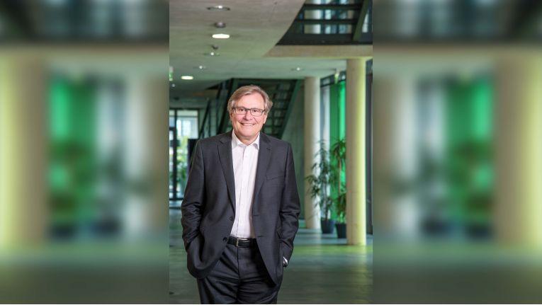 """""""Selbstverständlich können wir unsere Verantwortung nicht vollkommen abgeben, ganz im Gegenteil"""", meint Adrian Weiler, CEO von INFORM."""