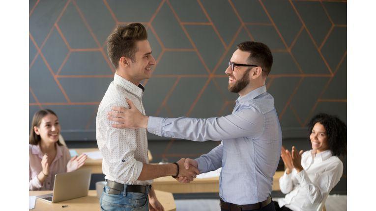Führungskräfte sollen ihren Mitarbeitern Orientierung und Halt geben.