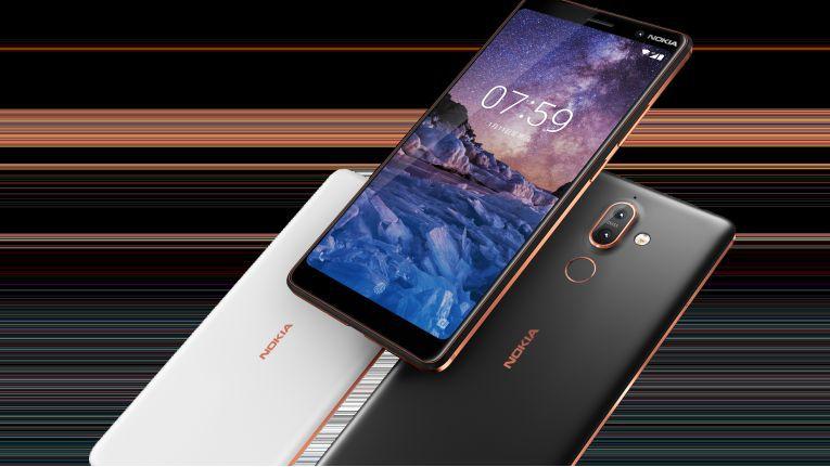 Smartphones, wie das hier abgebildete Nokia 7 Plus, vereinen seit Jahren immer mehr Funktionen von Geraten der klassischen Consumer-Elektronik in sich. Für größere Geräte sind Verbraucher auch bereit, deutlich mehr auszugeben.