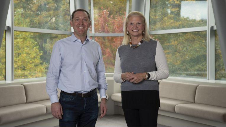 IBM-CEO Ginni Rometty (re.) und Red-Hat Chef Jim Whitehurst haben den größten Deal in IBMs Firmengeschichte auf den Weg gebracht. Jetzt müssen nur noch die Red-Hat-Aktionäre zustimmen.
