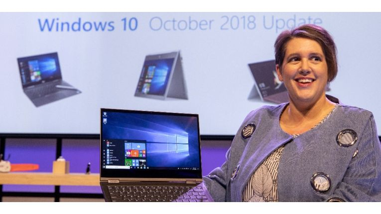 Erin Chapple, Corporate Vice President bei Microsoft, kündigt in ihrer Keynote das Windows 10 Oktober 2018 Update an