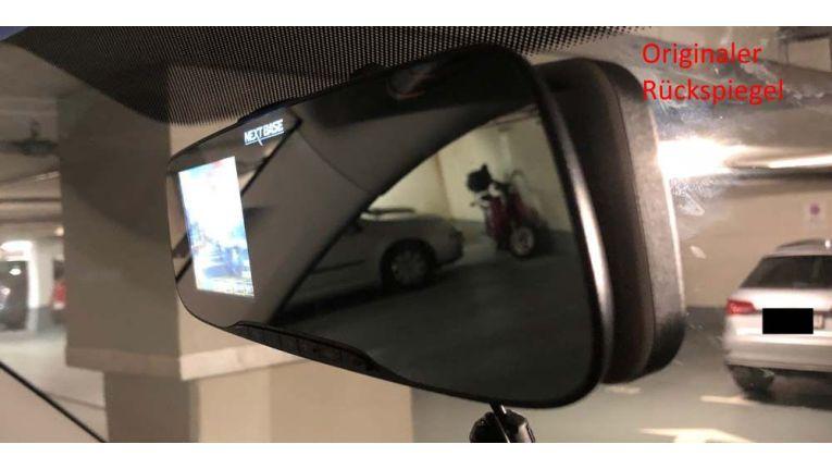 Seitenansicht: Links vorne die Mirror, rechts dahinter der originale Spiegel meines Fahrzeugs.
