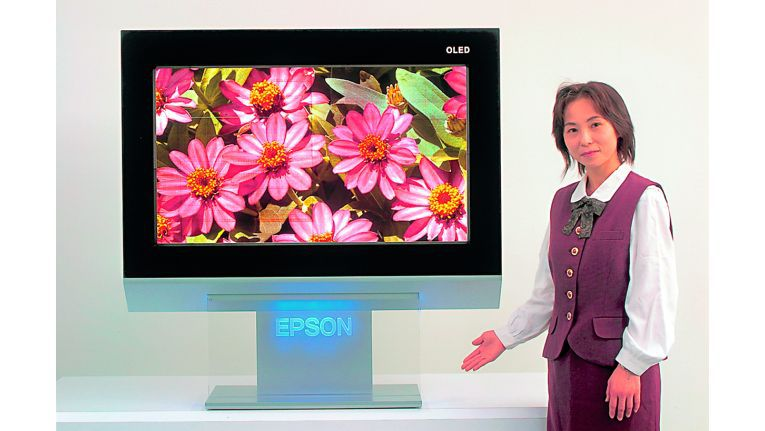 Mit einer Lebensdauer von 50.000 Stunden soll Epsons Ultimate Black-OLED fast so lang halten wie ein LCD-Bildschirm (im Schnitt 60.000 Stunden).