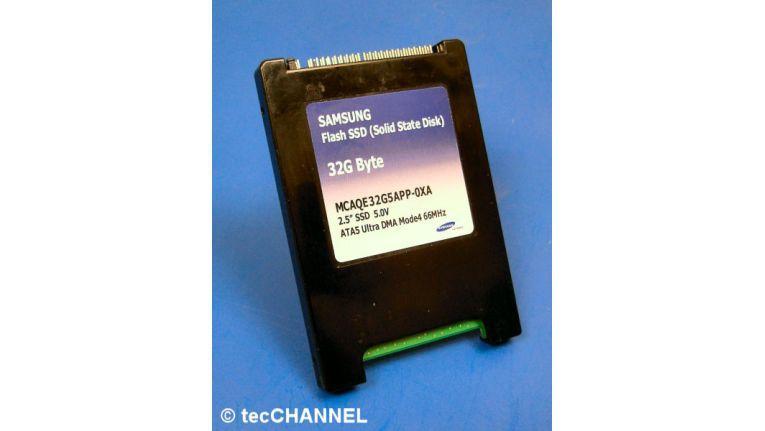 Mussten sich etlichen Tests unterziehen: Seagates Momentus 5400.3 und eine Flash SSD von Samsung