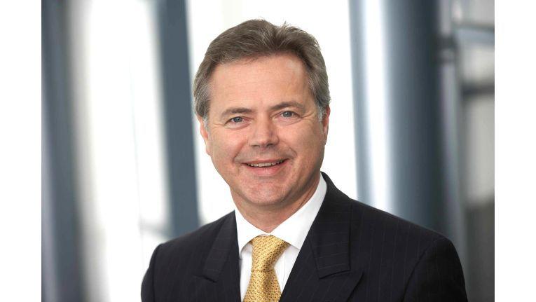 Manfred Lackner, Vorstand bei der PROFI AG, freut sich über die Auszeichnung