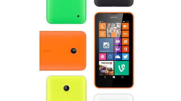 Zwar muss man auf Techniken wie NFC oder LTE verzichten, dafür erhält man beim Lumia 630 ein solides Smartphone, das sich im Alltag gut schlägt.