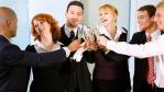 Flirt, Dresscode, Tischordnung: Das richtige Benehmen auf Weihnachtsfeiern - Foto: Kzenon Fotolia.com