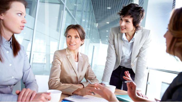 Im Rahmen einer erfolgreichen Lead Management-Strategie profitieren Marketing und Vertrieb von einer synergetischen Kooperation.