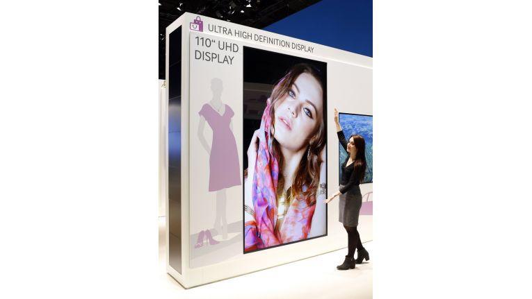 Samsung präsentiert auf der ISE ein UHD-Display mit 110 Zoll Bilddiagonale.