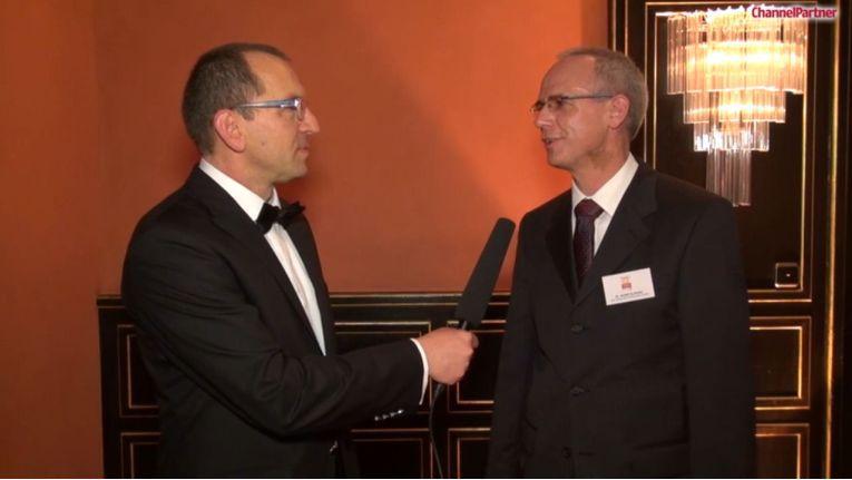 """Prof Dr. Rudolf Aunkofer, Global Research Director IT bei der GfK: """"Cloud und Managed Services werden 2016 die Nachfrage nach Infrastruktur und Services positiv fördern, Hybrid-Lösungen werden die Nachfrage dominieren."""