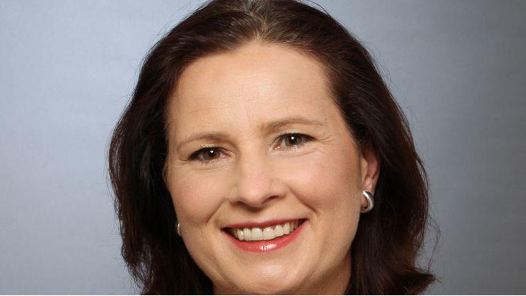 """Barbara Koch, Managing Director der Tech Data Azlan für Deutschland und Österreich: """"Damit siind wir in Deutschland der führende Distributor, der das gesamte Dell EMC-Portfolio von Clients über Dell Server- und Netzwerklösungen bis hin zum EMC Storage Portfolio aus einer Hand anbieten kann."""""""