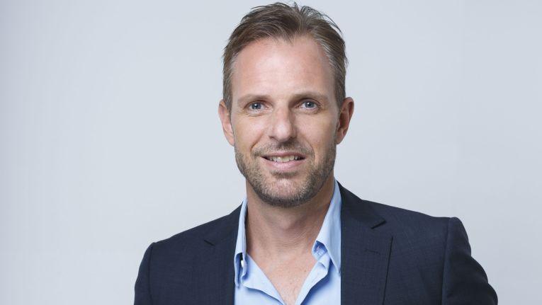 Björn Siewert, Geschäftsführer bei dem Distributor Siewert & Kau, schildert, was er 2016 so alles vor hat und wie er seine Aussichten für 2016 einschätzt.