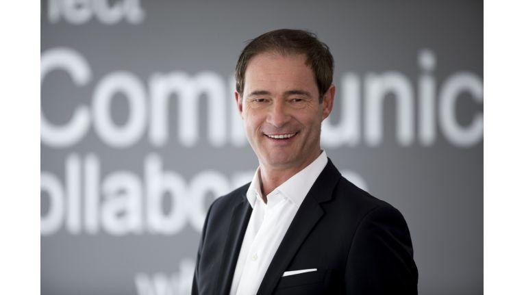 """Gregor Bieler, General Manager Consumer Channels Group und Mitglied der Geschäftsleitung bei Microsoft Deutschland: """"Mit Henrik Schäfer gewinnen wir einen sehr erfahrenen Manager, der das Devices-Geschäft in Deutschland und Europa bestens kennt und es versteht, kontinuierlich neue Markttrends aufzuspüren"""""""