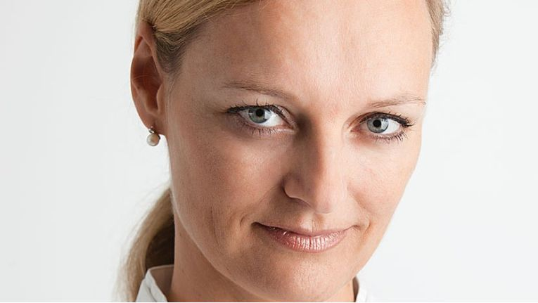 Christine Peters gilt als erfahrene Branchenkennerin und kommt von Hewlett Packard zu Ingram Micro, wo sie nun als Senior Managerin Business Management tätig ist.