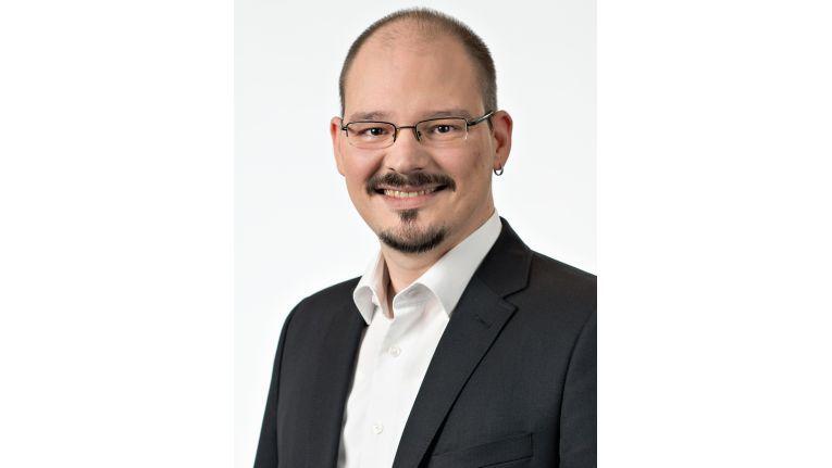 Marcel Binder: Throttling überwacht in Echtzeit die Temperatur der Speicherelemente und regelt bei Bedarf die Leistung der SSD so, dass es nicht zur Überhitzung kommt.