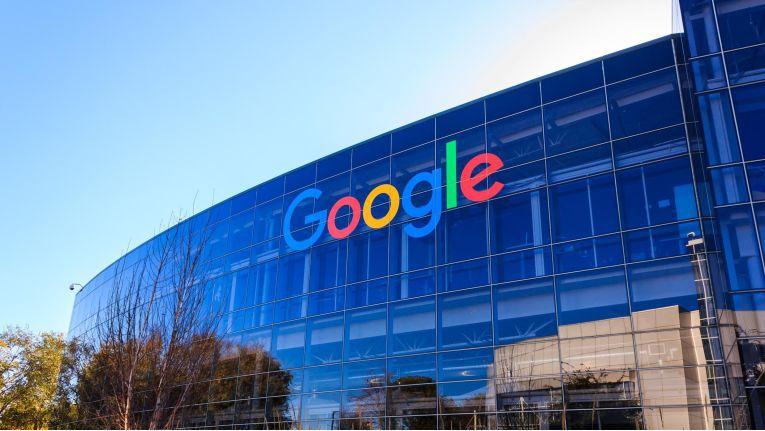Im Juni war eine Rekord-Wettbewerbsstrafe von 2,42 Milliarden Euro gegen Google verhängt worden.