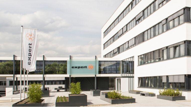 Die Expert Zentrale in Langenhagen hat sich eine neue Rechtsform gegeben