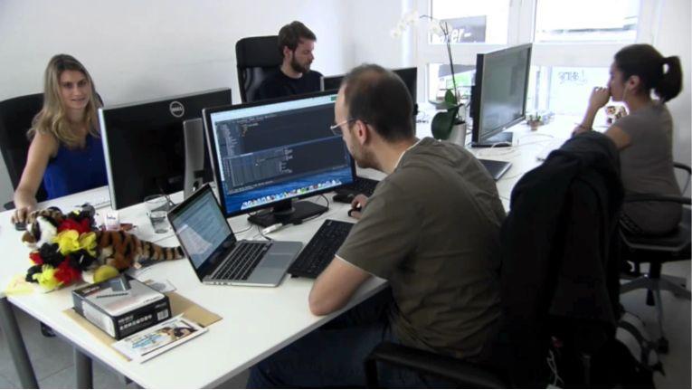 Im Münchner Büro von Expertiger arbeiten inklusive Gründer und Praktikanten inzwischen neun Mitarbeiter