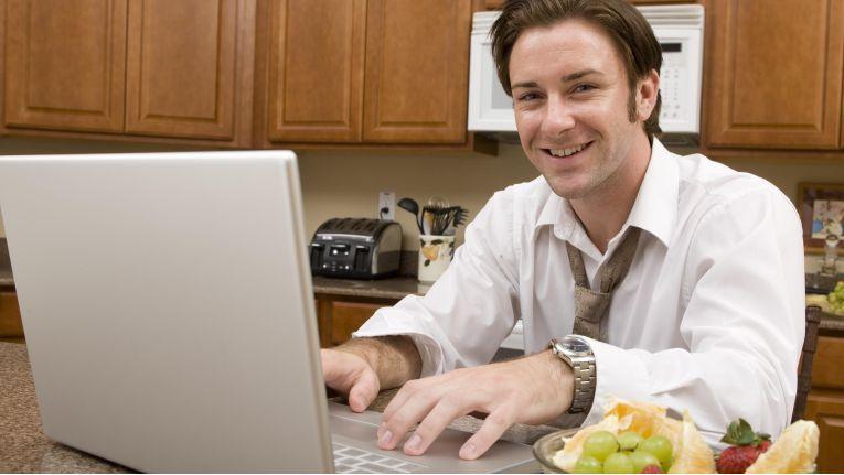 Das Home Office - bei Arbeitgebern lange unbeliebt - gewinnt immer mehr an Bedeutung.