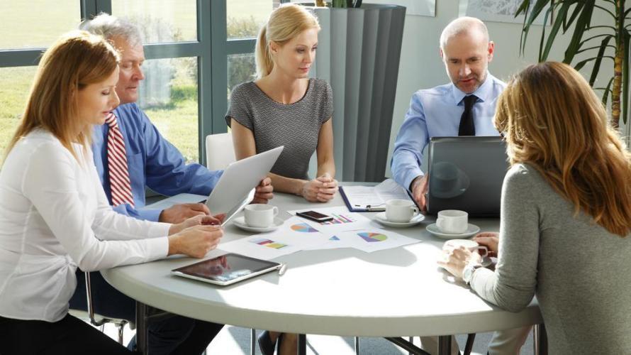 Der Beratermarkt wandelt sich: Immer mehr Akteure drängen in die Beratung und anspruchsvollere Kunden, erwarten schnellere Lösungen und viel Erfahrung.