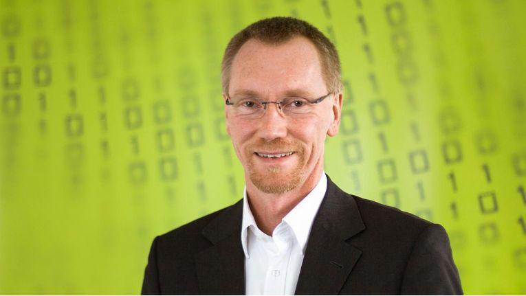 """Oliver Dehning, CEO von Hornetsecurity """"Ein Faktor, der die Diskussion über IT-Sicherheit und Security Automation voranbringt, sind die verschärften gesetzlichen Vorgaben, vor allem die Datenschutz-Grundverordnung der EU. Solche Regelungen verlangen beispielsweise einen 'Security-by-Design'-Ansatz."""""""