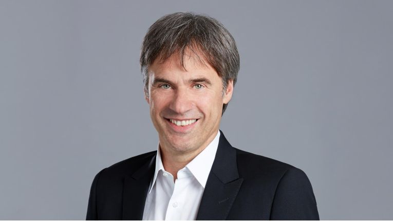 """Bitkom-Präsident Achim Berg: """"Der Personalbedarf bei System- und Software-Häusern ist besonders groß."""""""