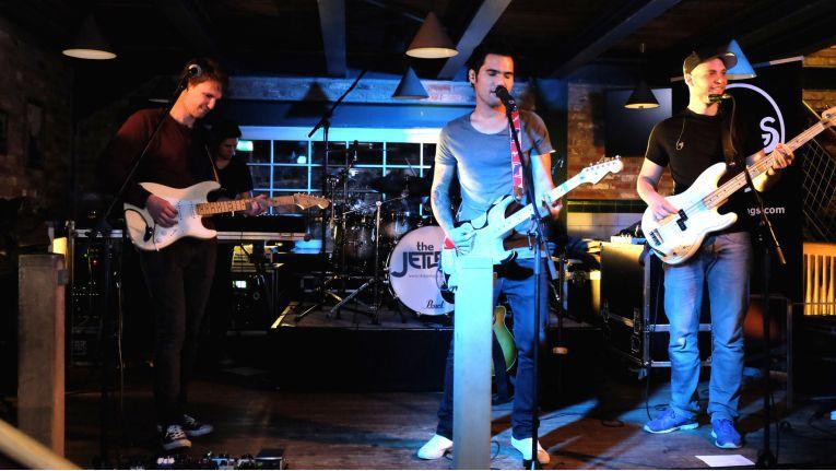 """Die Band """"The Jetlags"""" heizte dem tanzwütigen Publikum so richtig ein."""