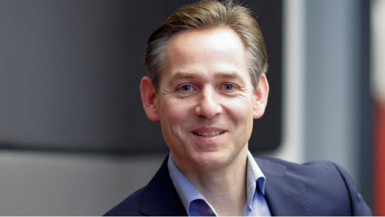 Norbert Rotter, Vorstandsvorsitzender der Itelligence AG, freut sich über den vierfachen Erfolg bei der diesjährigen SAP Award-Prämierung.
