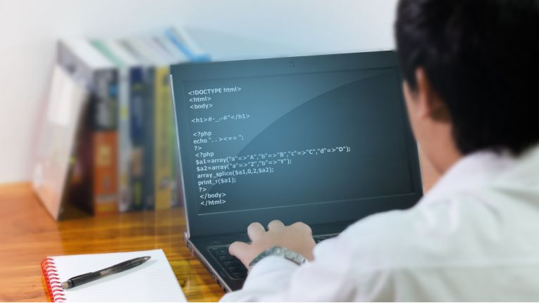 """""""Lieber mit Maschinen als mit Menschen"""": Das auf dem Bild könnte ein """"IT-Typ Nr. 2"""" sein."""
