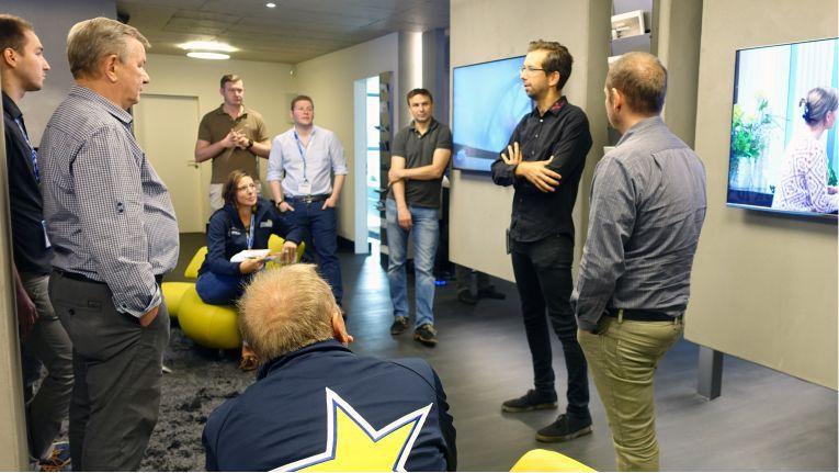 """Das media@home-Geschäft in Rellingen war einer der Teilnehmer auf der """"Premium Experience Tour"""" von Euronics"""