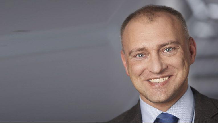 ''Distributoren und Reseller tun gut daran, auf Services zu setzen'', Eduard Gajdek, Product Manager D/A/CH Visual System Solutions bei Panasonic.