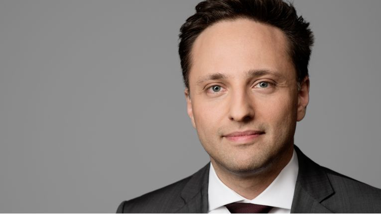 Ammar Alkassar, CEO von Rohde & Schwarz Cybersecurity, will mit der Übernahme von DenyAll das Portfolio in den Bereichen Netzwerk- und Endpoint-Sicherheit sowie Security-Management erweitern.