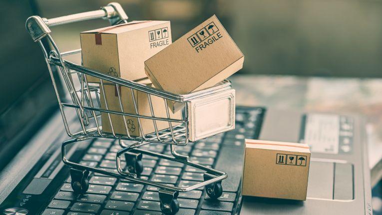 Zu den steigenden Umsätzen im Online-Handel tragen immer mehr auch ursprünglich stationäre Händler bei.
