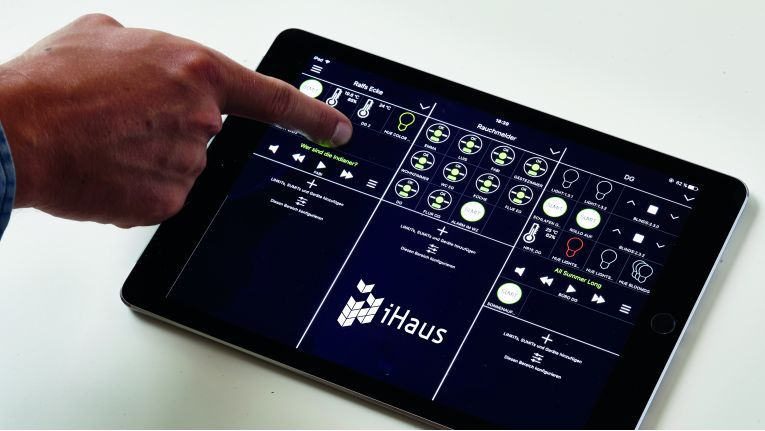 Die iHaus-App dient zur Steuerung intelligenter Smart-Home-Systeme.