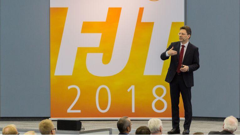 Der neue Expert-Vorstandschef Jochen Ludwig auf der Frühjahrstagung 2018 der Verbundgruppe